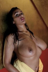 Indian Big Boobs Model Nude Photos HD Taking Bath