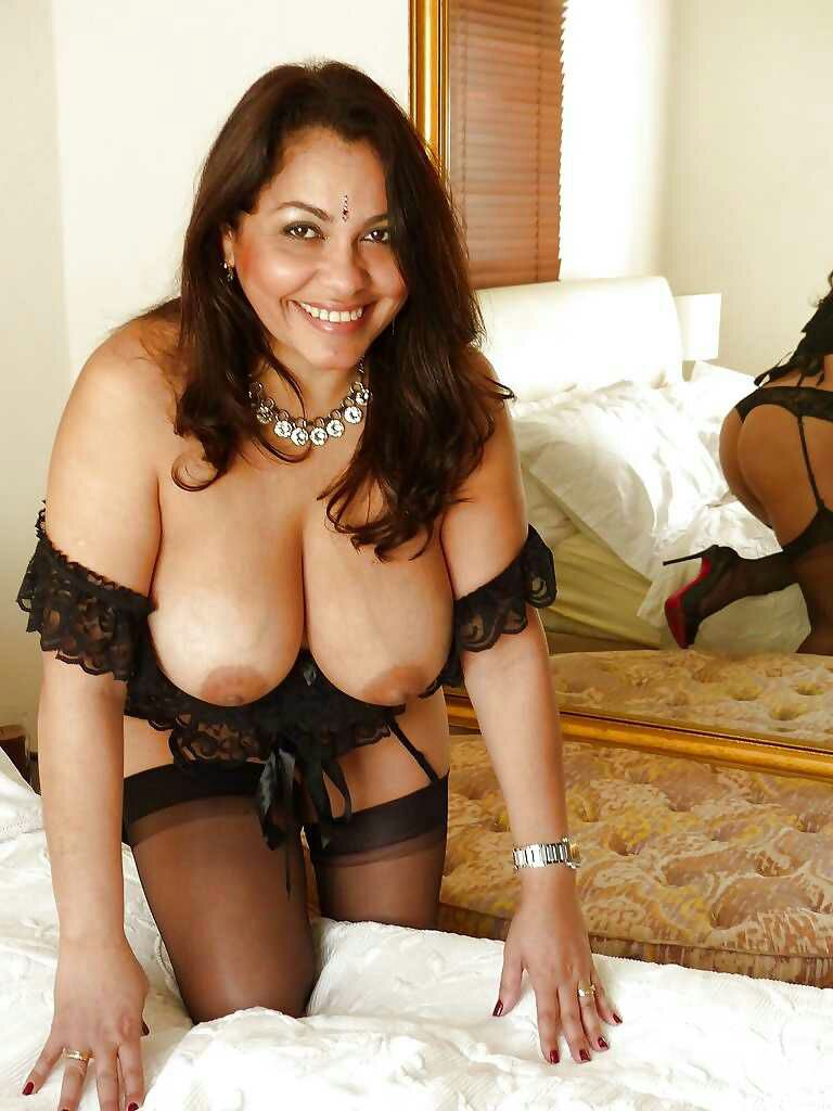 Indian XXX Photo Showing Nude Big Boobs