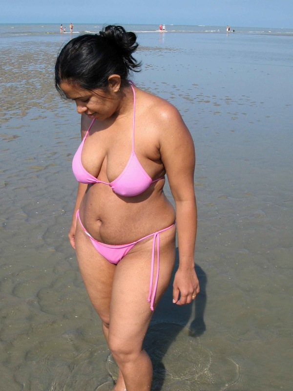 nude desi bhabhi on beach