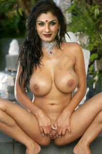 raveena tandon ki nangi photo