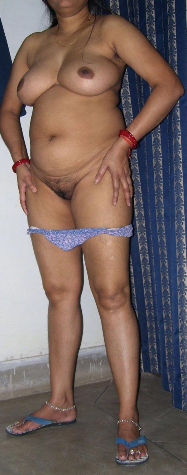 Hot naked super aunty