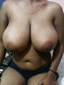 Indian Big Boobs Aunty Nude Photo